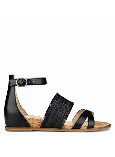 Nine West Bilekten Bağlamalı Sandalet Siyah